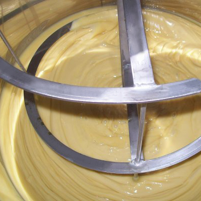 Technique pour faire du miel crémeux
